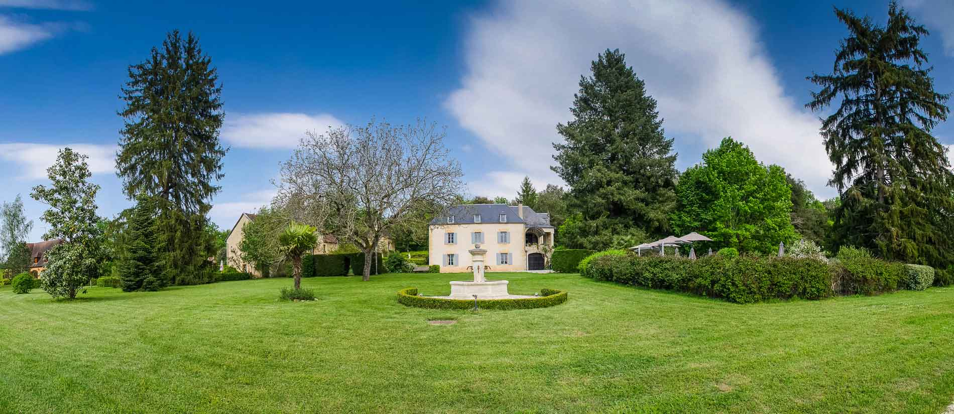 Gites with swimming pool in the heart of Périgord
