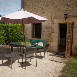Le Pommier charming country house in Dordogne with pool