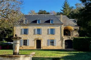 Le Cantou exclusive cottage for two with pool near Sarlat